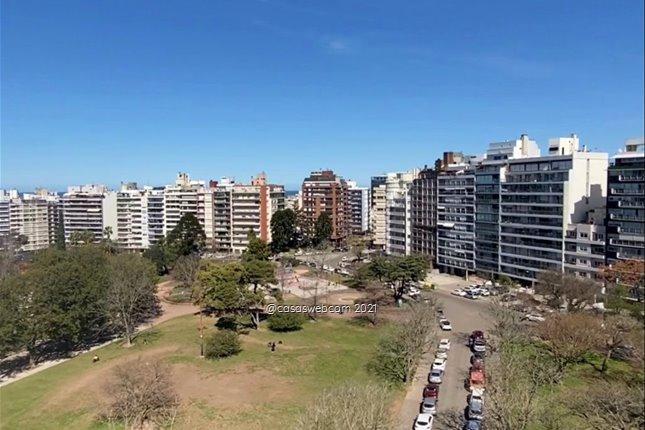 3 dormitorios, 3 baños y gje: Vázquez Ledesma fte al parque